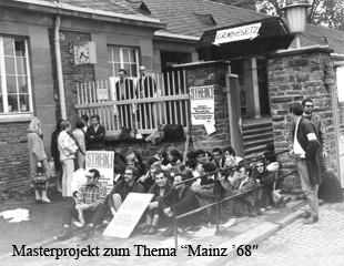 Sitzstreik an der Johannes Gutenberg-Universität Mainz 1968, Quelle Universitätsarchiv, klein